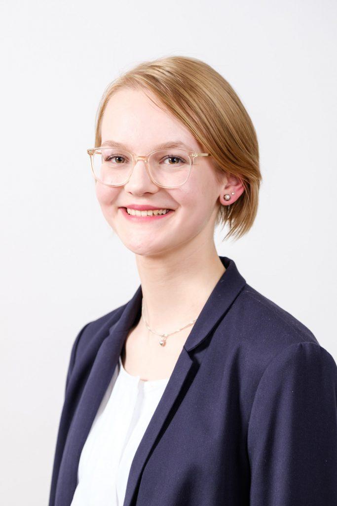 Portrait von Theresa Stark