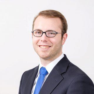 Portrait von Rechtsanwalt und Steuerberater Tobias Klümper